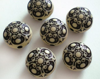 Ornate Antique white and black round coin etched beads 6pcs