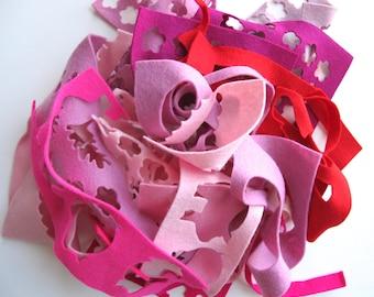 Pink Felt Scraps, Red Wool Remnants, Wool Felt Scrap Bag, Pink and Red Felt, Pure Merino Wool, Remnant Assortment, Small Felt Pieces