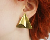 vintage triangle post earrings / brass post earrings / brass earrings / geometric earrings / abstract sailboat