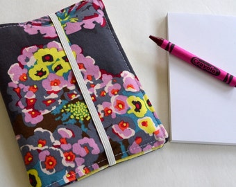 Buy 2 Get 1 FREE . Crayon Wallet . 8 Crayons and Notepad Included . Grey Floral . Birthday Party Favor