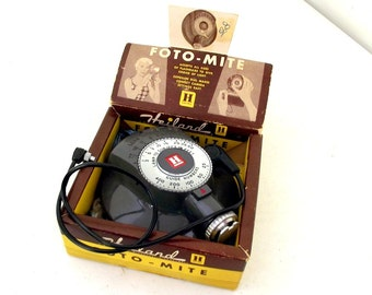 Vintage Foto-Mite Flash for all sizes of bulbs in original box