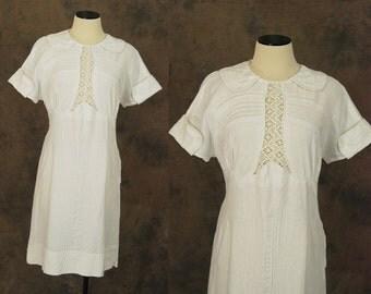 vintage 30s Dress - White Linen Lawn Dress - 1930s Pin Tucks and Lace Dress Sz M