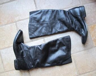 1980s Vintage Black Leather Grunge Flats Boots  7