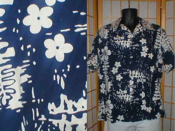 60s blue / white cotton floral print Hawaiian shirt mens size large