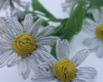 Large Bouquet of Beaded Daisies Vintage Flowers