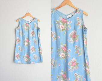 Size L // CHAMBRAY FLORAL DRESS // V-Neck Sleeveless Mini Dress - Vintage '90s Grunge.