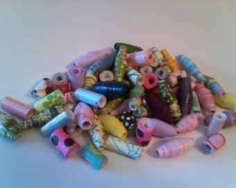 250 Assorted Paper Beads