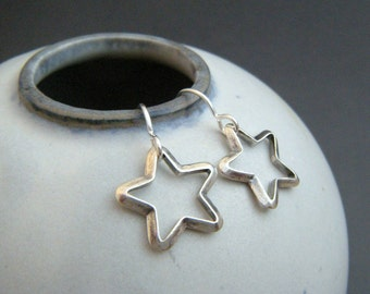 small star earrings. rustic silver earrings. sterling silver modern everyday jewelry. antiqued. oxidized blackened simple jewelry gift