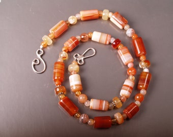 Painted desert carnelian and red agate necklace