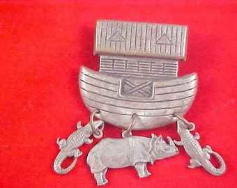 Charming NOAH'S ARK ~ Pewter Brooch