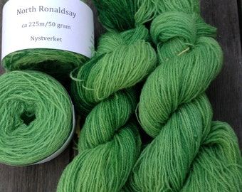 North Ronaldsay yarn, 225m/50gram, hand dyed Apple