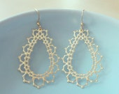 Delhi, India Earrings in Gold