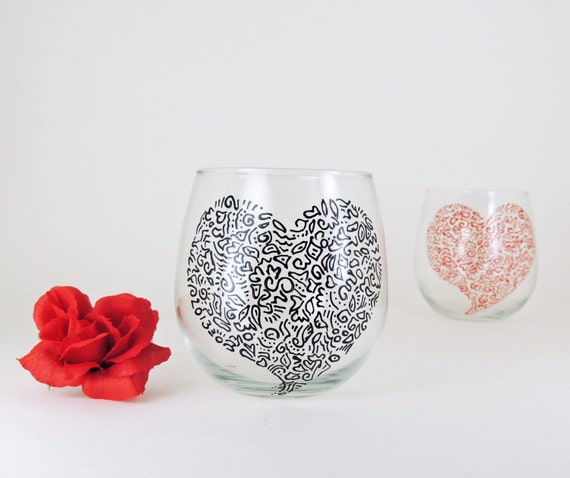 Valentine wine glasses - Set of 2 hand painted red wine glasses - Sweetheart glasses