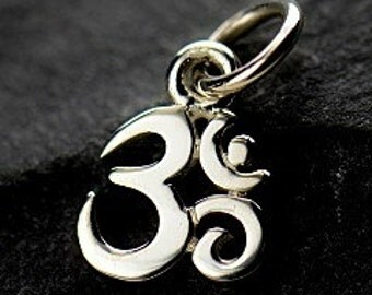 Sterling Silver Ohm Charm, 925 Tiny Ohm Pendant, 13x7x1mm, 1 PC