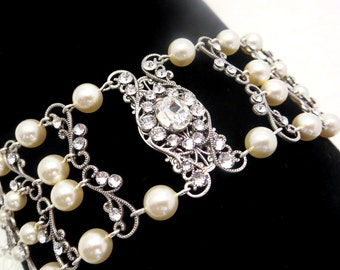 Crystal Bridal bracelet, Wedding bracelet, Wedding jewelry, Cuff bracelet, Antique silver bracelet, Swarovski bracelet, Statement bracelet