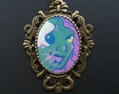 Creatures of the Night TIME TO DINE 38 x 50 mm Bronze Necklace
