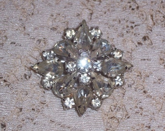 Vintage Rhinestone Brooch or Pin