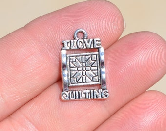 1  Silver I Love Quilting Charm SC3368