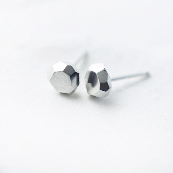 Bigger faceted Diamond-like sterling silver studs