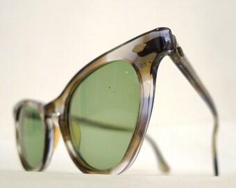 Stunning Vintage Grey Cat Eye Glasses Frame Stripey Grey Tortose SHell Eyeglass Sunglasses. Striated Optical Prescription Quality Pinup