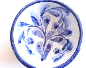 Clay ceramic bowl hand painted