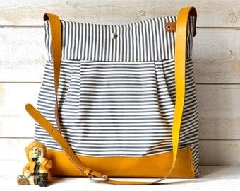 Sac à langer BEST SELLER Messenger Bag gris de STOCKHOLM géométriques cuir moutarde rayée nautique