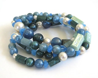Vintage 80's Avon // South of France Beaded Necklace