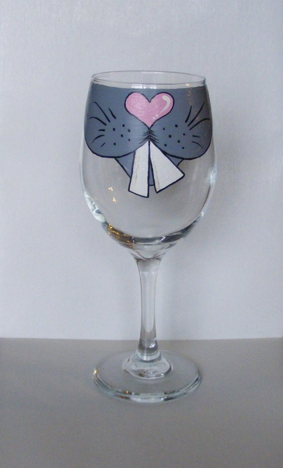 face changing wine glass by jennie nelson bunny rabbit face. Black Bedroom Furniture Sets. Home Design Ideas