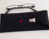 Black Glasses Case in Felt, Felt Eyeglass Case in Black and Red, Felt Eyeglass Case