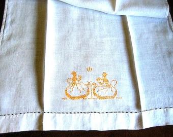 TOWEL Kitchen Bath Wash Cloth Vintage Washstand Guest Display Hemstitched Embroidered Linen Victorian Tea Party