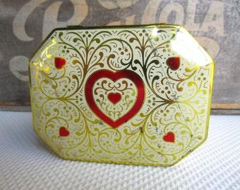 Vintage Heart Golden Scroll Daher Hinged Tin