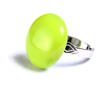 Lime green yellow glass adjustable silver ring OOAK (674) - Flat rate shipping