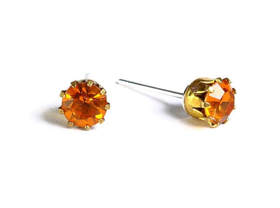 Estate style topaz brown orange rhinestone crystal hypoallergenic stud earrings (485) - Flat rate shipping