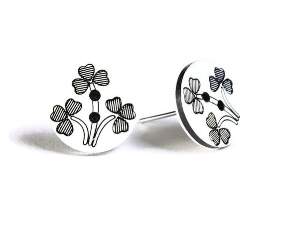 Petite black and white flower button hypoallergenic stud earrings (751)