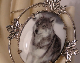 Beautiful Standing Grey Wolf Cameo Silver Necklace
