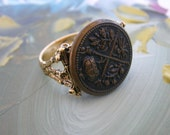 Ring-Antique Metal Button Ring Crown and Crossed Swords-size 7