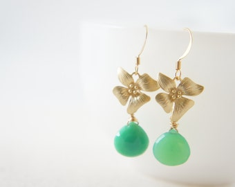 Gold flower and green chrysoprase dangle earrings, wedding, hawaiian, bridesmaid, gift