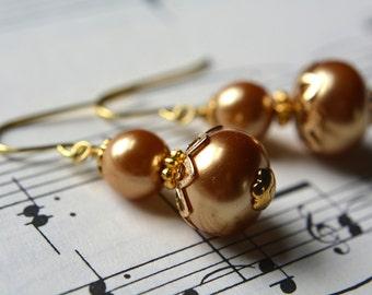Creamy Beaded Gold Pearl Earrings Dangle