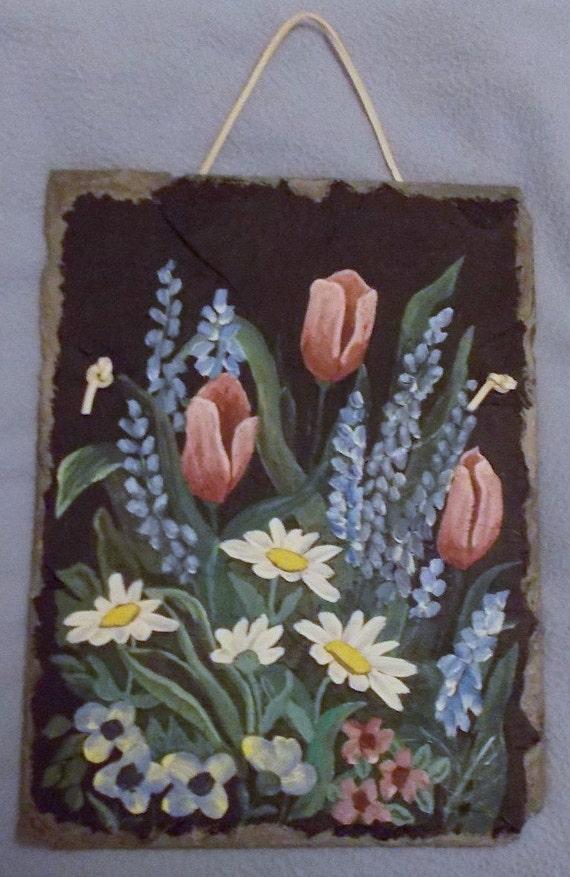 peinture florale originale sur l 39 ancienne toiture ardoise. Black Bedroom Furniture Sets. Home Design Ideas