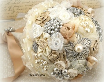 Brooch Bouquet, Beige, Tan, Champagne, Gold, Ivory, Cream, Elegant Wedding, Vintage Style, Lace, Pearls, Crystals, Gatsby Wedding