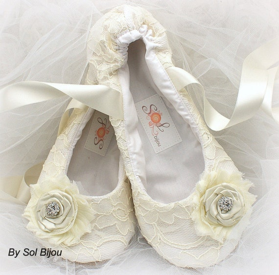 Personalized Wedding Slippers Bridal Party Slippers: Ballet Flats Ivory Wedding Flats Lace Flats Wedding Shoes