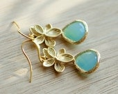 Mint opal earrings, Mint wedding, Mint earrings, Gold flower earrings, mint teardrop earrings, Mint dangle earrings