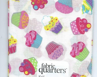 "Cupcakes Fat Quarter-100% cotton, 18"" x 21"" Brand new"