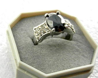 Elegant 1970s vintage ring  - Anthracite large oval faceted crystal - silver plated - size 9  -Art.490 -