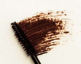 9g Mineral Mascara - Brown - For Natural Looking Lashes