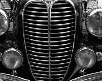 B&W vintage car photo 5