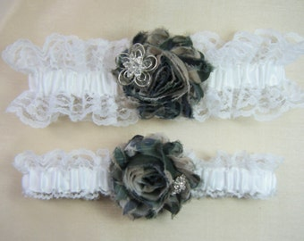 SALE - Camo garter  White lace CAMOUFLAGE wedding garter set Camo garters shabby rose
