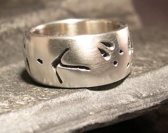 Turkey Track Deer track Wedding Ring, or Nature Ring 10mm