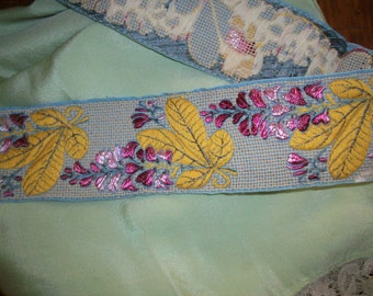 1 yd. Stunning Antique Decorator Trim  pillows home