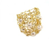 Big Gold Ring / Ivory Cream Pearl Cocktail Ring / Wire Mesh Knit Wide Band Ring / Half Finger Ring